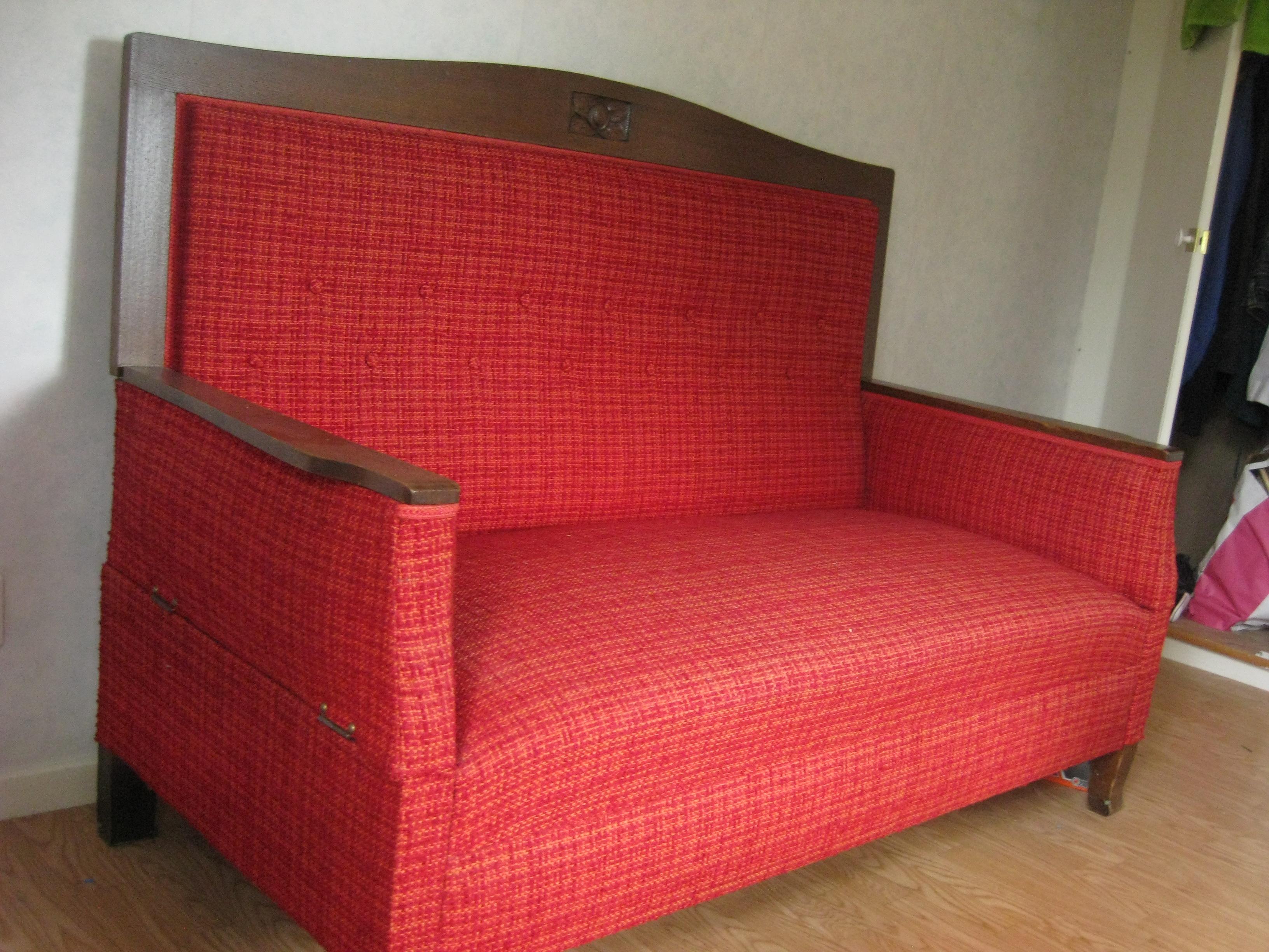 Soffa bortskänkes, bäddbar från kanske 20-talet